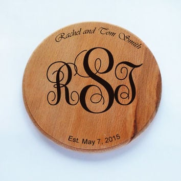 Monogram cutting board, custom Wedding gift, Anniversary gift, Housewarming gift, personalized board, handmade burning wood