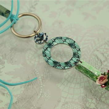 mint circle pendant with vintage pattern in turquoise, hippie chic with vintage elements