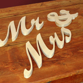 Mr and Mrs Wooden Wedding Sign, Mr, Mrs Free Standing Wood Words and Letters for Wedding Decors and Photo Props