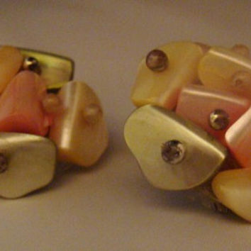 Vintage Japanese Abolone Cluster Earrings Japan Clips Costume Jewelry Pastel Colors Pink Green Cream