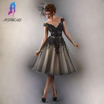 Classic Black Lace Cocktail Dresses Knee Length Evening Gown Sleeves Tulle Beads Back Zipper Formal Women Dress