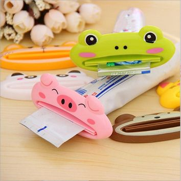 1pcs Cute Animal multifunction squeezer / toothpaste squeezer Home Commodity Bathroom Tube Cartoon Toothpaste Dispenser A3071
