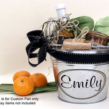 Personalized Gift Bucket - Custom Metal Pail - Bridesmaid Gift - Housewarming Gift - Medium Size (3qt)