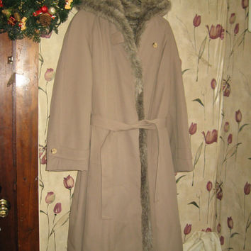 VINTAGE womens light brown hooded wrap coat with faux fur lined 70s