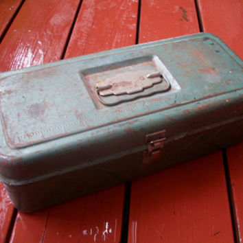 Vintage Tackle Box/ Tool Box Rusty Distressed Functional Metal