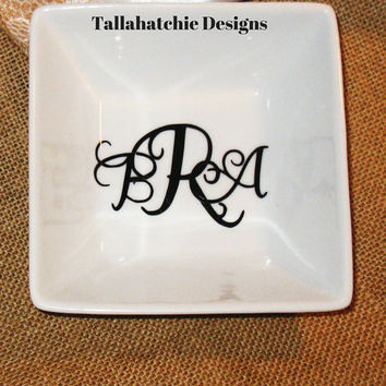 Monogrammed Ring Dish* Jewelry Holder * Personalized Bridal Gift  Mothers Day Gift