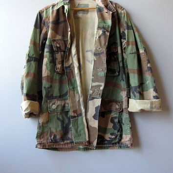 Vintage Distressed US Camo Jacket Shirt Woodland Grunge Combat Camouflage Military Faded Small Long