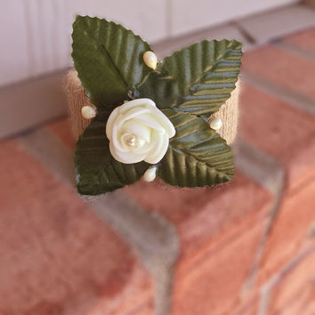 Flower bracelet adult,jute jewelry,white roses,corsage,festival,flower armlet,boho flower cuff,bride jewelry,wedding bracelet,wood,perls