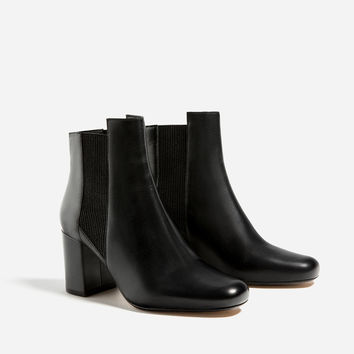 HIGH HEEL LEATHER ANKLE BOOTS WITH STRETCH DETAILDETAILS