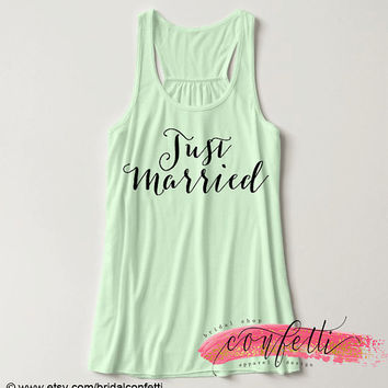 Custom Ink Colors, Just Married, Flowy Racerback, Bachelorette Party Tank Top, Bridal Party Tank Top, Bridal Top, Wedding Top