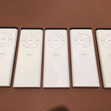 ONETOW lot of 5 - Apple Remote Control A1156 iMac, MacBook, iPod and Apple TV