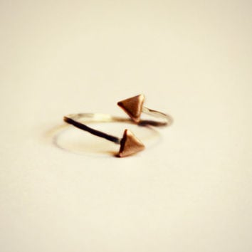 triangle knuckle ring, sterling silver knuckle ring, triangle midi ring, geometric ring, minimalist ring, two tone ring