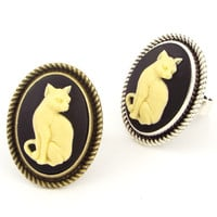 Cameo Cat Ring in Black & Ivory, Bronze Tone Setting