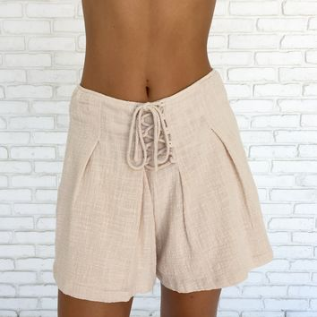 Lace Up Shorts In Cream