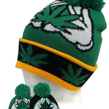 + Marihuana Beanie In Black