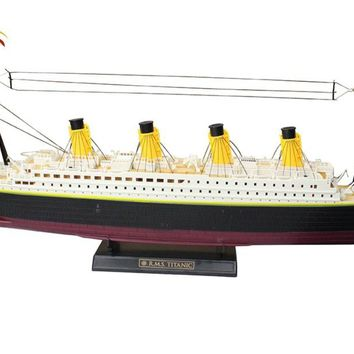 RC Boat 1:325 Scale Titanic Sea Grand Cruise Ship 3D Titanic  Century Classic Love RC Ship High Simulation Large Toys