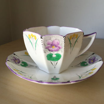 Shelley Vintage Purple Pansy Flower Teacup and Saucer, Queen Anne Shaped Tea Cup and Saucer, English Floral China, Art Deco, 1925-1945