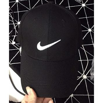 NIKE Fashion Woman Men Embroidery Sunhat Baseball Hat Cap