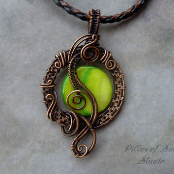 Wire wrapped pendant, Wire Wrapped jewelry handmade, copper jewelry, wire jewelry, green mother of pearl, boho jewelry, woven wire jewelry