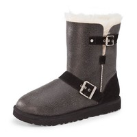 UGG Women's Classic Short Dylyn Boot