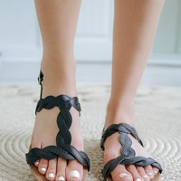 Twisted Fate Sandals - Black