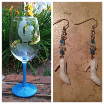 Gift Bundle Cinderella etched Wine Glass and Earring