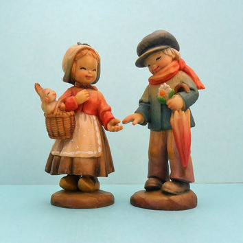 Club Anri Figurine Couple Welcome and My Friend Collectible Juan Ferrandiz Woodcarving 1980 Wooden People