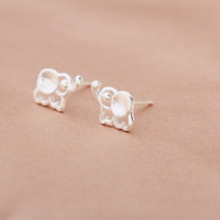 Fashion hollow carved small elephant  925 sterling silver earrings,a perfect gift