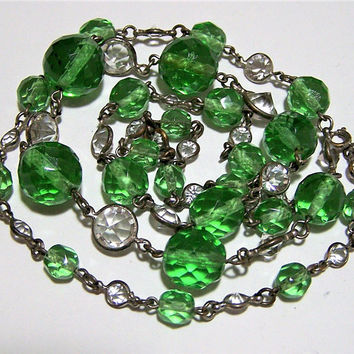 Art Deco Emerald Green Beads Necklace, Bezel Set Crystal Faceted Stones, Metal Wire Links, Graduated Beads, Vintage Jewelry 817