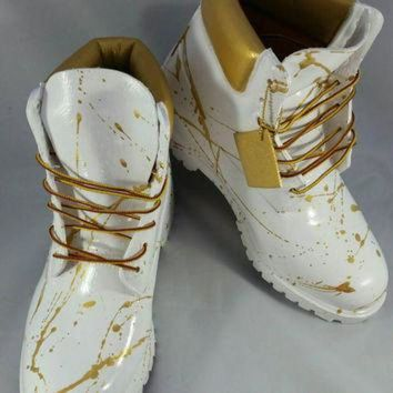 DCCKXI2 Custom White and Gold 'Cocaine' Timberland Boots- Hand Painted Timberlands- Custom Tim