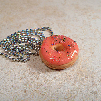 Strawberry with Sprinkles Donut Necklace Pendant Fake Food Jewelry Polymer Clay 18 Inch Chain Fun Kawaii Gift Faux Frosted Doughnut Treat
