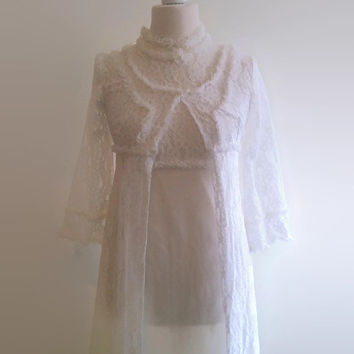 Vintage white lace peignoir set - floral bridal nightgown and robe - wedding retro lingerie set