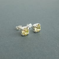 gorgeous lemon yellow sparkling crystal swarovski rhinestone stud earrings sterling silver post