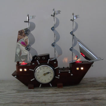 Mid Century Nautical Decor Lighted Ship Shelf Mantel Electric Clock, Vintage 1949 United Clock Corp  Model No 811