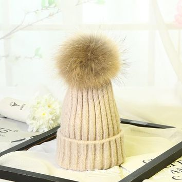 YY002 New Winter Women's Hat Twist Cable Pattern Raccoon Fur Pompom Knitted Wool Hat Fur Ball Beanies Caps Skullies Ski Female