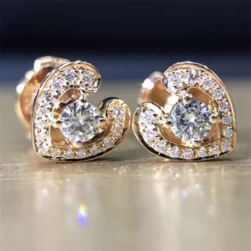 LASAMERO 0.2CTW 18K Gold Round Cut Diamond Heart Cluster Women's Stud Earrings