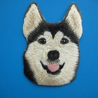 Iron-on Embroidered Patch adorable Husky 3 inch