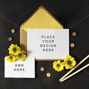 Styled Stock Photography - Product Presentation - Design Mock Up for Card & Invitation -  Blank Landscape Card, Daisy, on Chalkboard Desktop