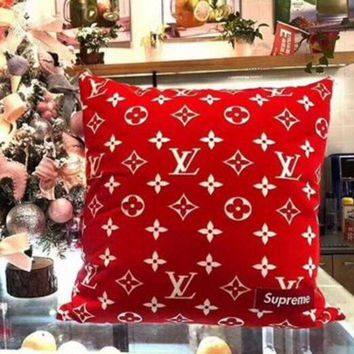 DCCKR2 Hot Sale LV Louis Vuitton X Supreme Stylish Family Pure Manual Hold Pillow Cushion For Leaning On I