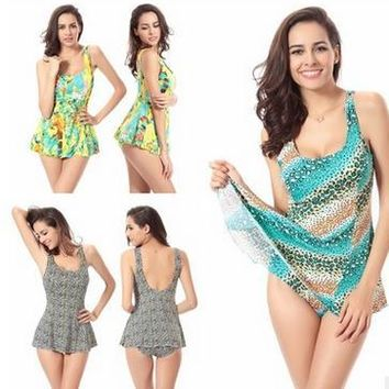 Day-First™ Large Size Piece Swimsuit Floral Siamese Skirt Swimsuit Poly Chest
