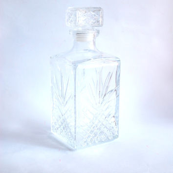 Diamond Cut Glass Decanter, Whiskey Brandy Vintage Decanter W/ Stopper, Square Shape