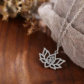 Classic Silver Color Alloy Hollow Lotus Flower Necklace Choker Yoga OM Yogi Meditation Pendant Necklace For Women G Jewelry
