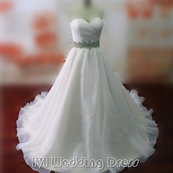 Real Photos Sweetheart Criss-cross Wedding Dresses Chapel Train Bridal Gowns with Beaded Sash