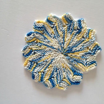 Hand knit dishcloths, cotton dishcloths, trivet hot plate, kitchen hot pads, blue kitchen, star shaped, dish scrubbies,  yellow kitchen