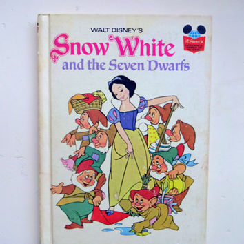 Vintage snow white and the seven dwarfs