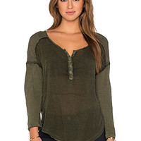 Sunday Henley Top in Dark Olive