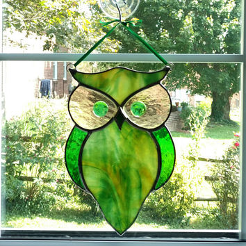 Stained Glass Owl Suncatcher, Green and Gold Owl, Stained Glass Bird, Horned Owl, Garden Art, Owl Ornament, Housewarming Gift, Bird Lover