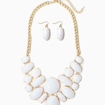 Annabella Bib Necklace Set | Necklaces | charming charlie