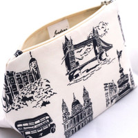London England Souvenir Cosmetic/Makeup Travel Bag - Birthday Gift, Stocking Stuffer, London Party Favor, Novelty Indie Holiday Gift Idea