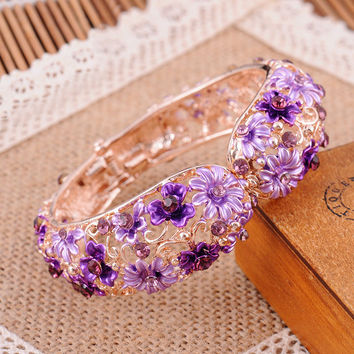 Vintage Chinese Cloisonne Bracelets Hollow Crystal Rhinestone Flower Enamel Bangle Gold Plated Jewelry for Women